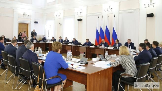 Каждый регион должен зарабатывать свои доходы сам— Д. Медведев