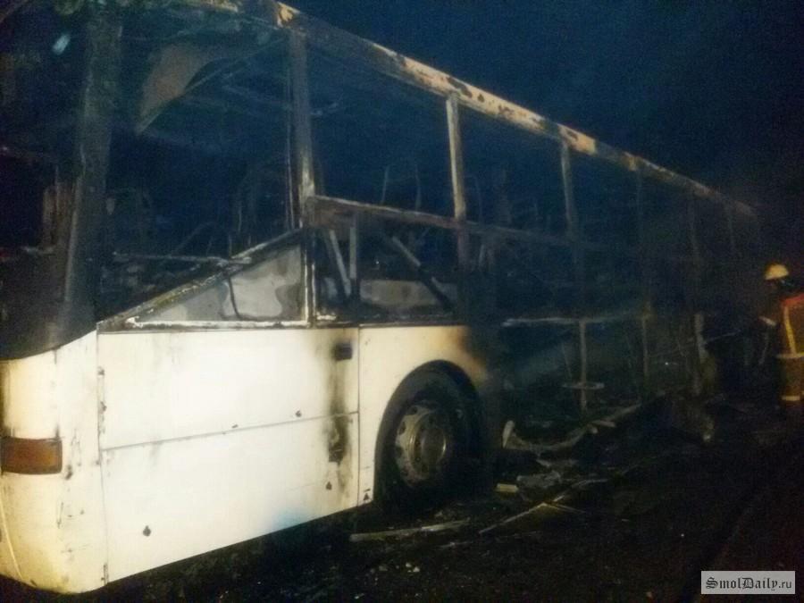 ВСмоленской области сгорел рейсовый автобус