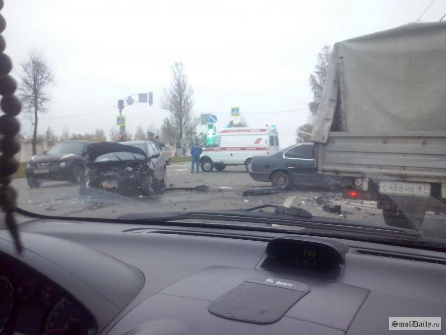 НаКутузова вСмоленске произошла серьезная авария
