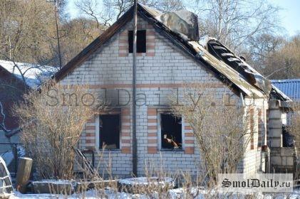 дом соседа напротив, где убити женщину и её сына