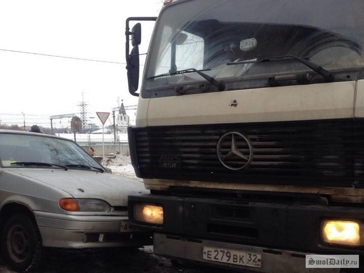 ВСмоленске в трагедию наВитебском шоссе попали 4 автомобиля