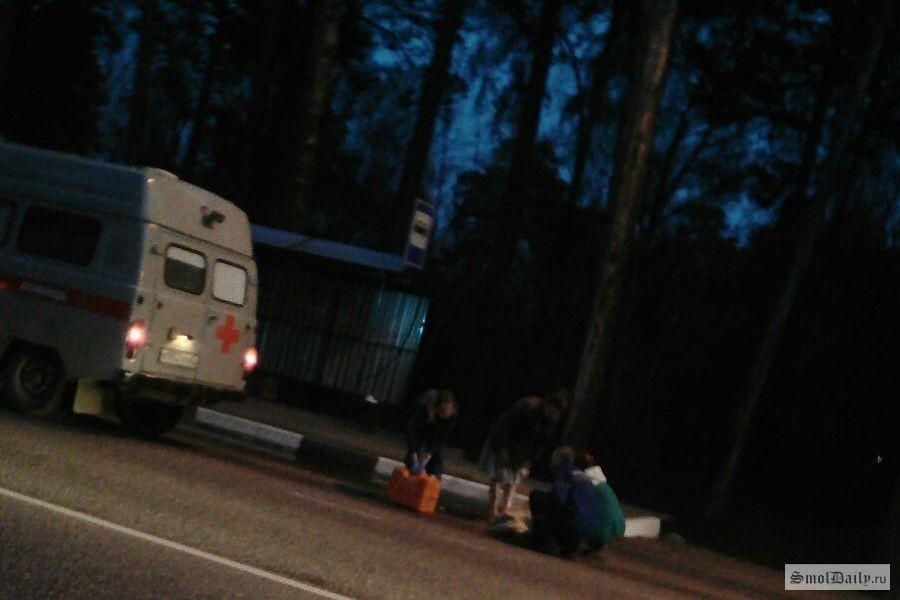 ВСмоленске водители увидели «труп» наостановке
